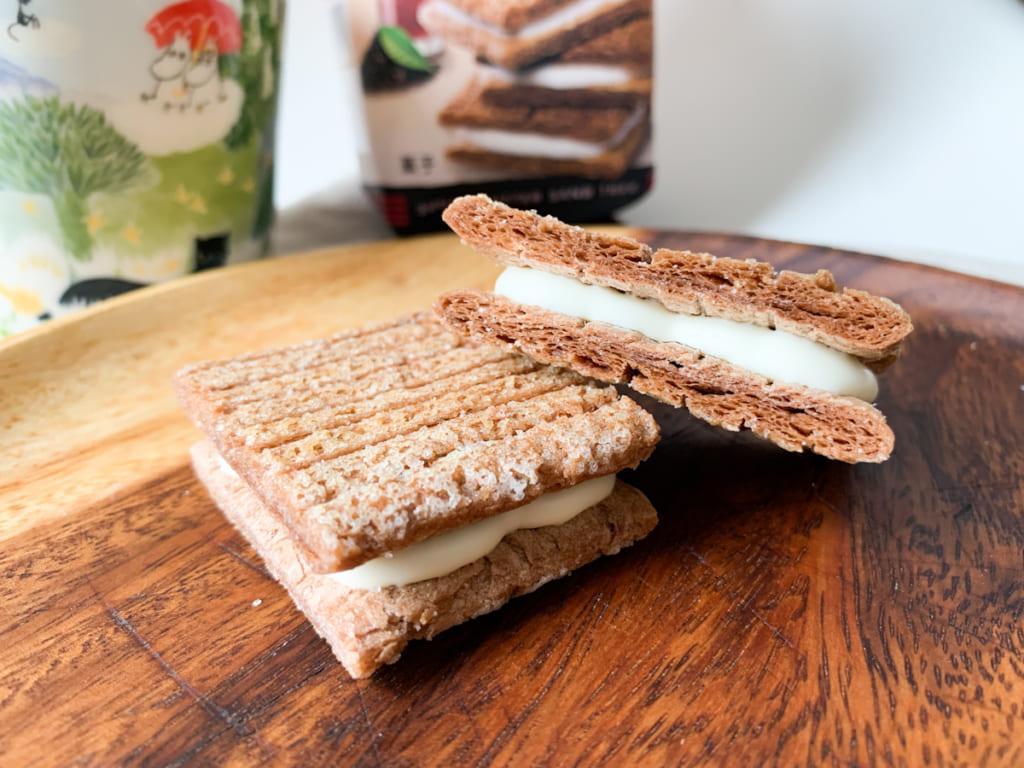 ほんのり紅茶が香る「セブンカフェ  シュガーバターの木  セイロン香るブラックティー&ミルク」
