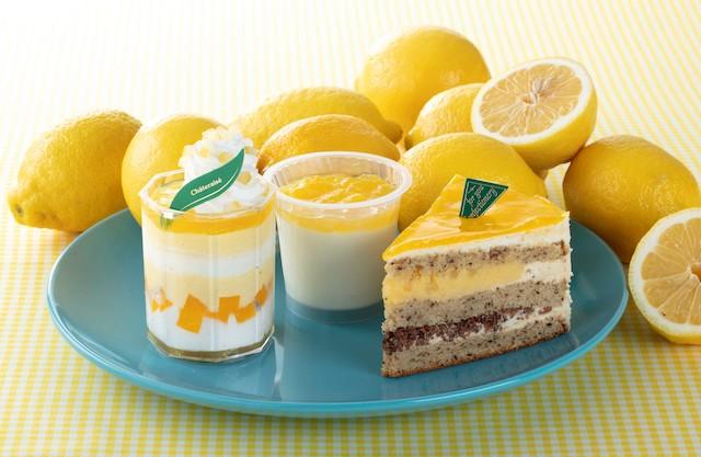 (左)瀬戸内レモンとはちみつのカップ、(中央)瀬戸内レモン牛乳寒天、(右)瀬戸内レモンと紅茶のトルテ