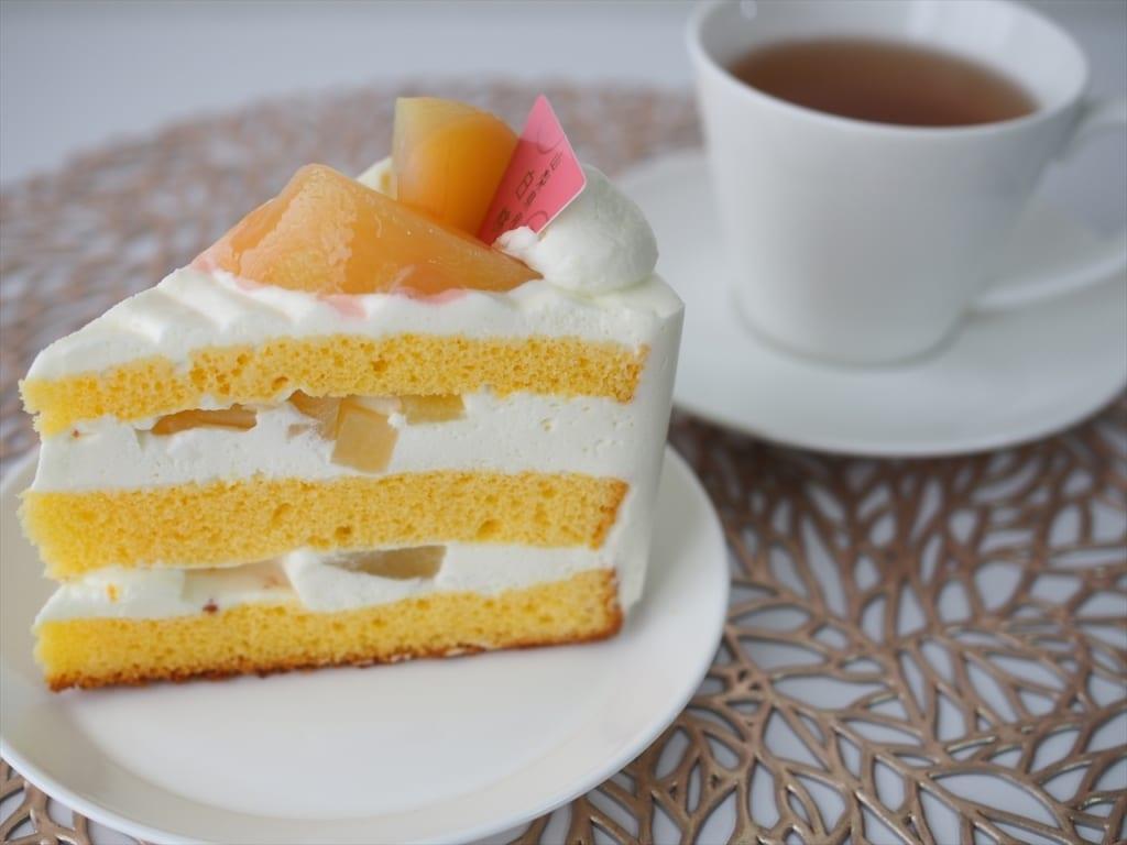シャトレーゼ 山梨県産白桃のプレミアム純生クリームショートケーキ