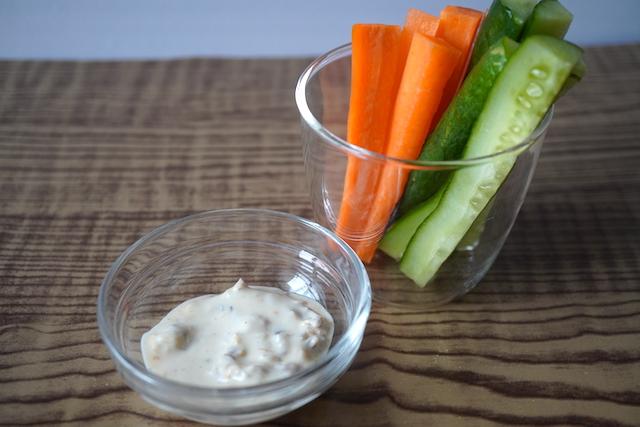 スティック野菜とタルタル