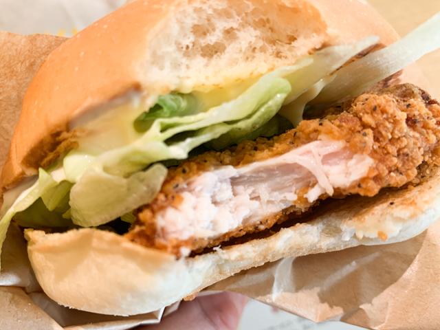 チキンフィレはサクサクジュワ〜!そして、鶏胸肉がとっても柔らかい!