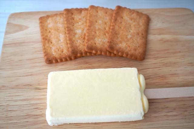 ココナッツサブレとバターアイス
